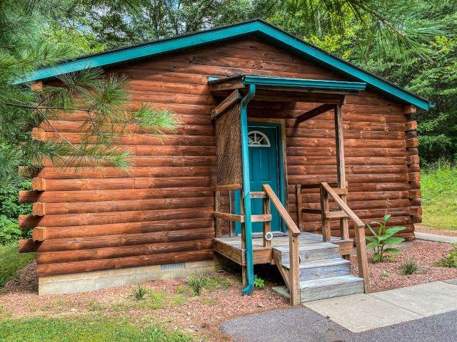 Hocking Hills Lodging Company Briarwood Cabin